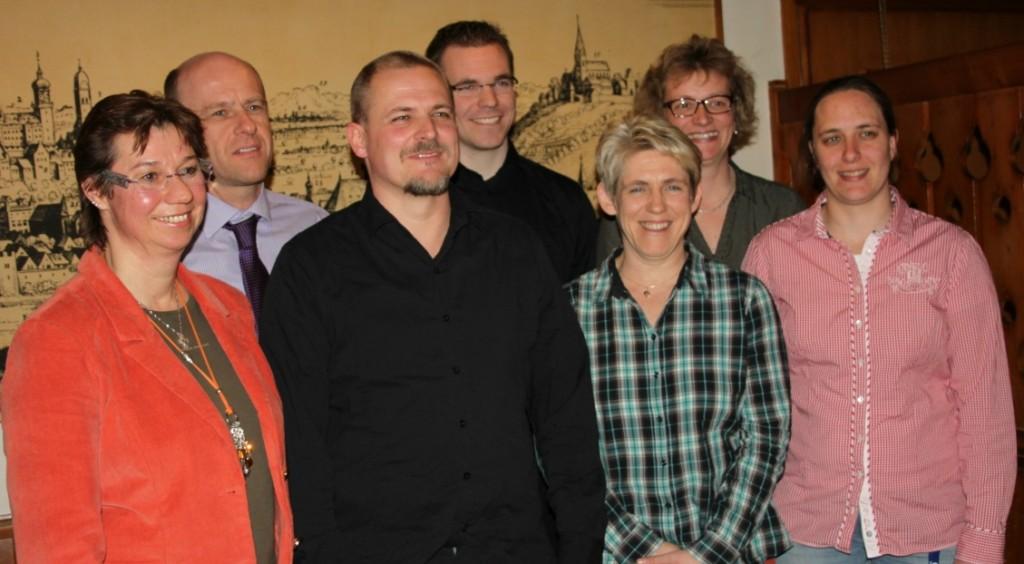 Die neue Vorstandschaft des SV'77:Yvonne Fiedler, Michael Kink, Michael Alt, Oliver Feldmann, Waltraud Allebrodt, Birgit Schrader, Angela Mansmann