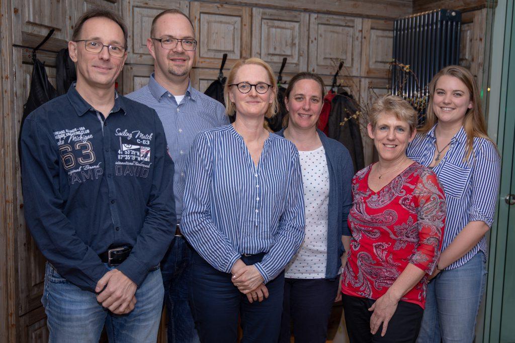 v.l.n.r: Markus Kaitschick (1. Vorstand), Florian Speyerer (2. Vorstand), Katja Rudzki (Kassenwart), Angela Mansmann (1. Trainerin), Waltraud Allebrodt (Sportwart), Jennifer Alt (Jugendwart)